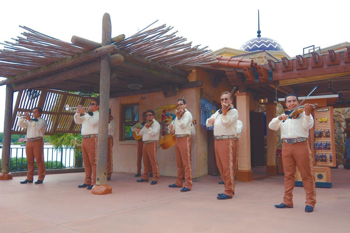 Mariachis at La Cantina de San Angel